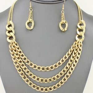 Gold Tone Chain Necklace and Earrings!